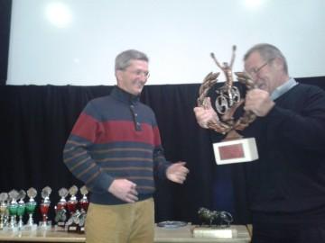 Übergabe des Pokals durch Wilhelm Tielkes in Wuppertal